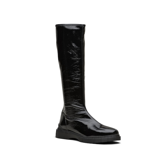 STRETCH PATENT BOOTS
